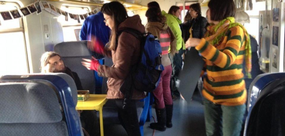 Studenții sub 35 de ani vor avea în continuare gratuitate la tren