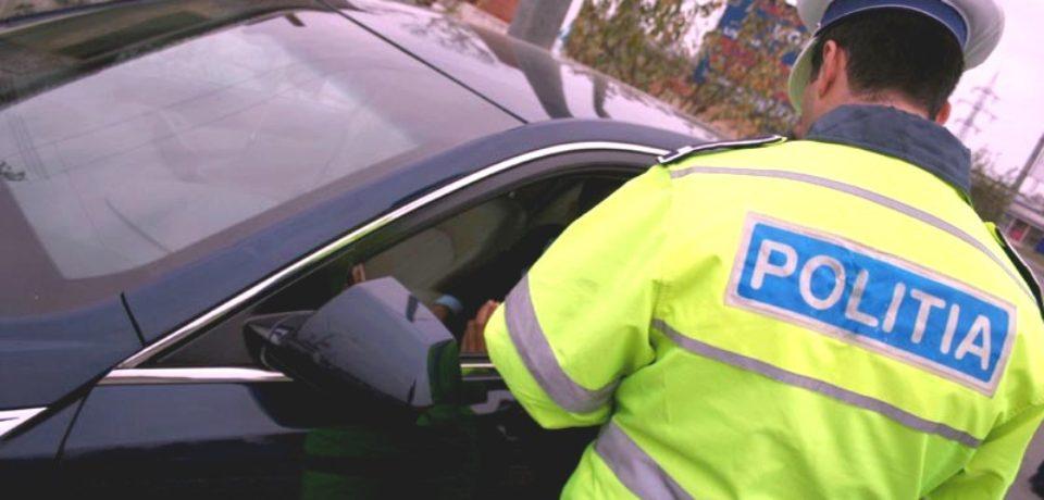 Adolescent de 15 ani prins de polițiștii bihoreni în timp ce conducea un autoturism furat