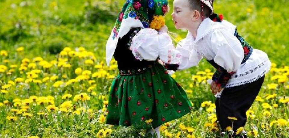 """Invitaţie la Sărbătorirea Dragobetelui şi a iei la Liceul Greco-Catolic """"Iuliu Maniu"""""""