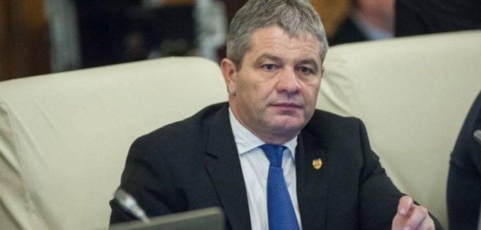 Fostul ministru al Sănătăţii Florian Bodog, acuzat că a angajat fictiv o persoană