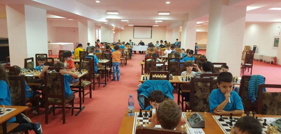 Timp de o saptamana, statiunea Baile Felix devine capitala sahului juvenil romanesc. Si tinerii practicanti ai sportului din mintii din Bihor trag pentru medalii