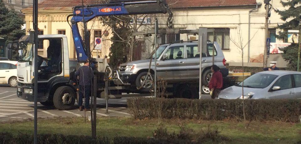 Atentie unde parcati! Cate masini au fost ridicate din oras in luna februarie