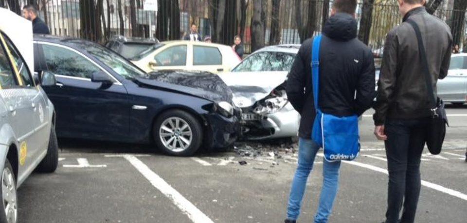Accident cu mai multe masini pe strada Universitatii. Ce s-a intamplat?  Anuntul Politiei