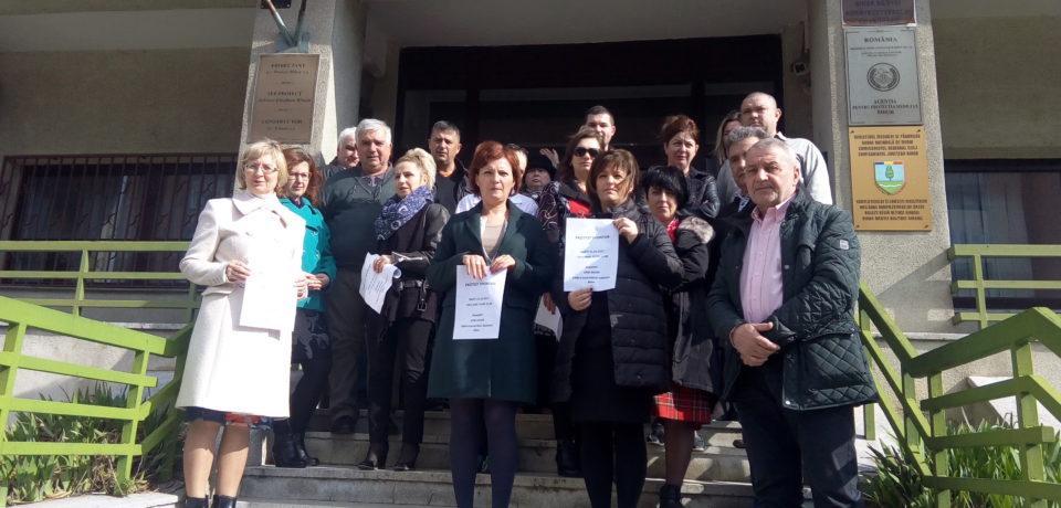 Angajatii de la APM Bihor au protestat, din nou, pentru majorari de salariu