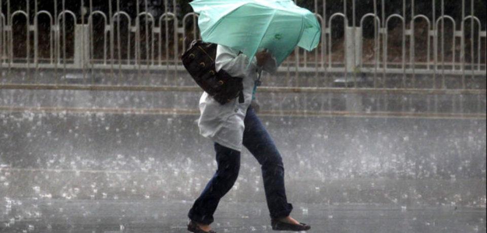 Ploi torenţiale, vijelii şi grindină, de miercuri după-amiază până sâmbătă seara, în cea mai mare parte a ţării