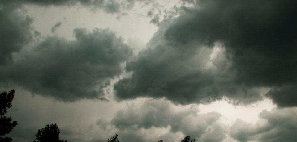 O nouă alertă de furtuni iminente pentru Bihor. Vezi zonele vizate