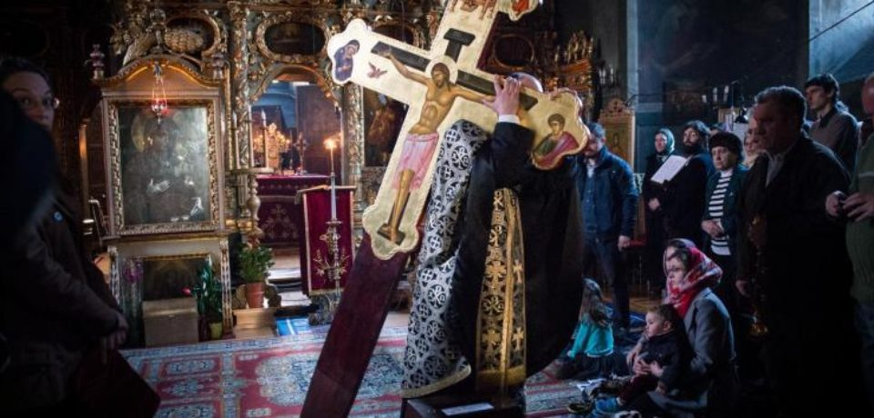 Joia Mare din Saptamana Patimilor. In biserici se face Denia celor 12 Evanghelii