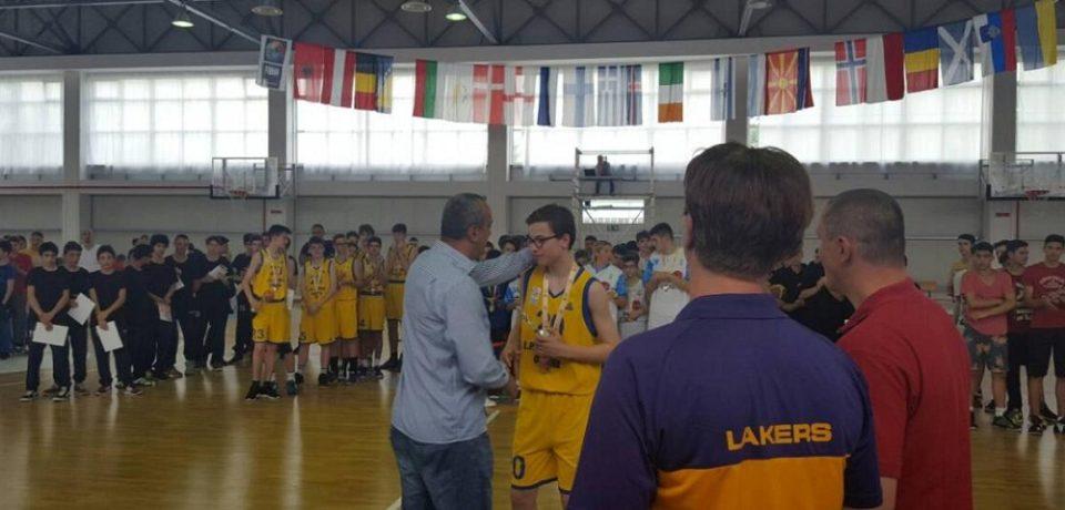 Tinerii baschetbalisti oradeni au urcat pe podium la Nationalele desfasurate in orasul lor