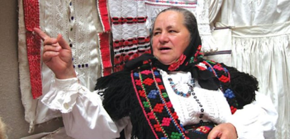 12 mai, Ziua Naţională a Portului Tradiţional. Costumul popular din zona Bihorului