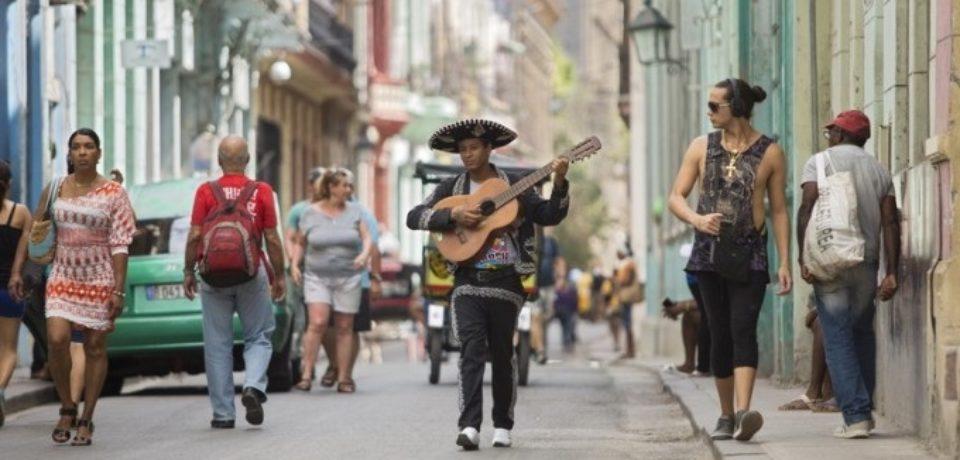 Propunerea lui Remus Toderici pentru concitadini: Cuba, o poveste în imagini