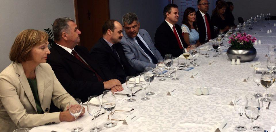 Reprezentații la varf ai UNPR au fost  primiți la Ambasada României de la Varşovia