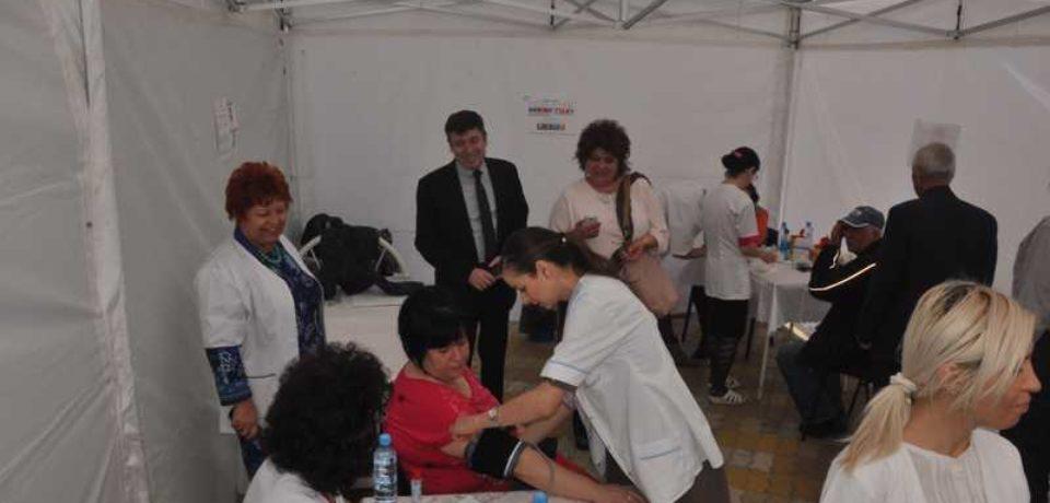 Testare gratuită a glicemiei şi tensiunii arteriale, în Vadu Crișului