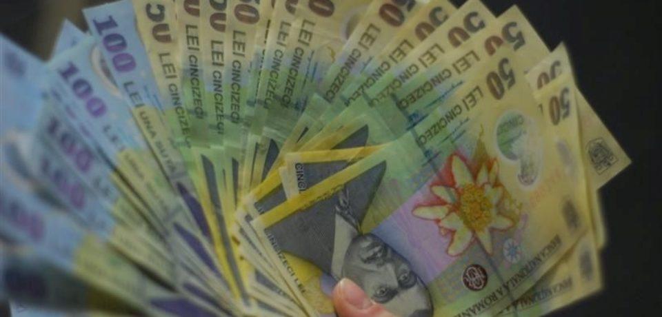 Salariile românilor ar urma să fie calculate şi plătite în funcţie de studiile absolvite