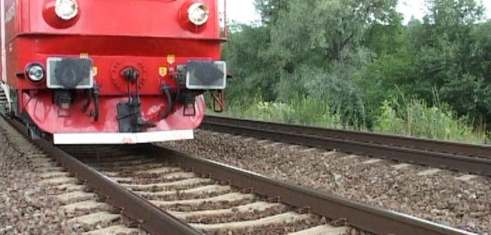 Un tractorist a murit după ce a acroșat un tren care circula pe ruta Salonta-Ciumeghiu