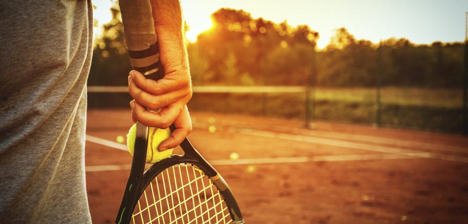 Cursuri gratuite de initiere in tenis pentru oradeni