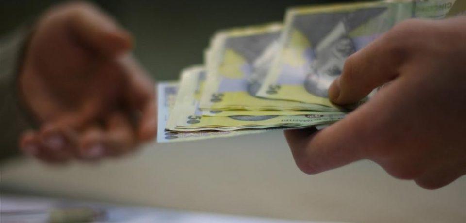 Cât castigă bihorenii și care sunt domeniile în care sunt cele mai mari salarii din județ