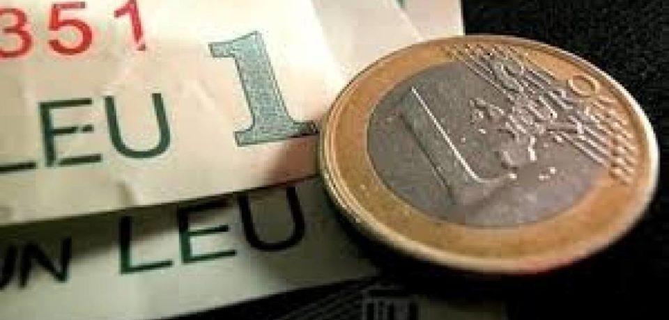 Leul continuă să scadă. BNR a stabilit un curs de 4, 6279 lei pentru un euro