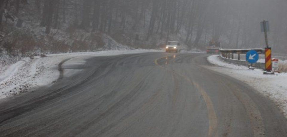 Atenţie șoferi! Sunt ninsori abundente în judeţul Bihor