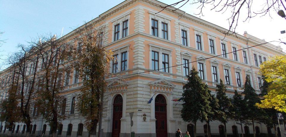"""Colegiul Național """"Emanuil Gojdu"""" este pe locul 3 în topul școlilor cu cele mai multe medii de 10 la Evaluarea Națională"""
