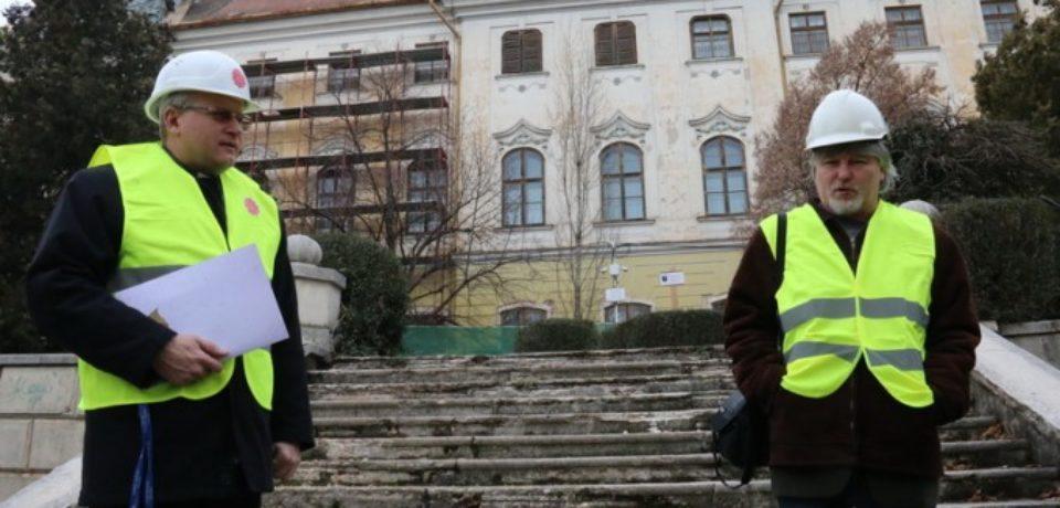 Reabilitarea faţadei aripii sudice a Palatului Baroc este aproape finalizată
