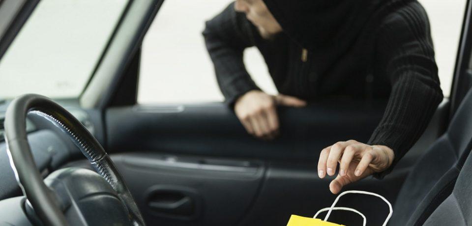 Un tanar din Oradea a fost prins la furat la cateva ore dupa ce a scapat de arest in alte trei dosare