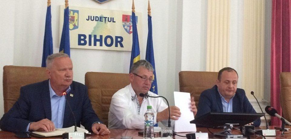 Ioan Mang: Banii din Consiliul Judetean Bihor se impart de catre consilierii alesi si nu la sediul PNL, de catre presedintele partidului. Video