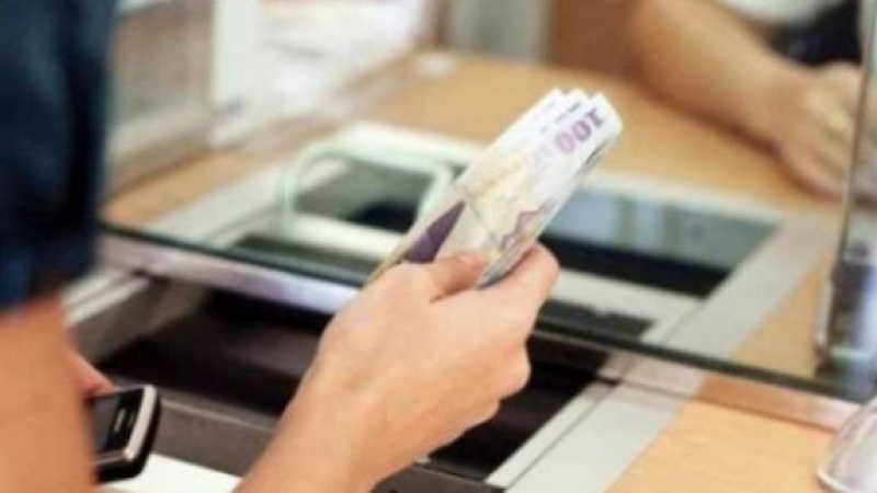 Veşti proaste pentru românii cu credite în lei: Indicele Robor a crescut la 3,25%
