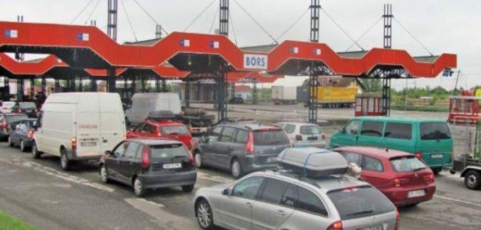 Trafic întrerupt temporar la graniţa cu Ungaria. Cozi mari de mașini în Borş