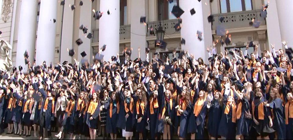 Drum bun in viata absolventilor de la Gojdu! Video