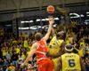 CSU Sibiu egalează seria la 1 în duelul cu CSM CSU Oradea din semifinala Ligii Naţionale de Baschet Masculin