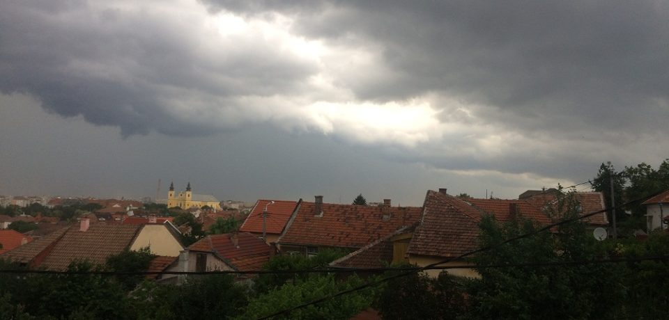 Cod portocaliu de vreme severă imediată! Avertizare valabilă pentru tot Bihorul