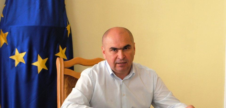 Tinta lui Bolojan : 300 milioane euro din fonduri europene pana in 2020