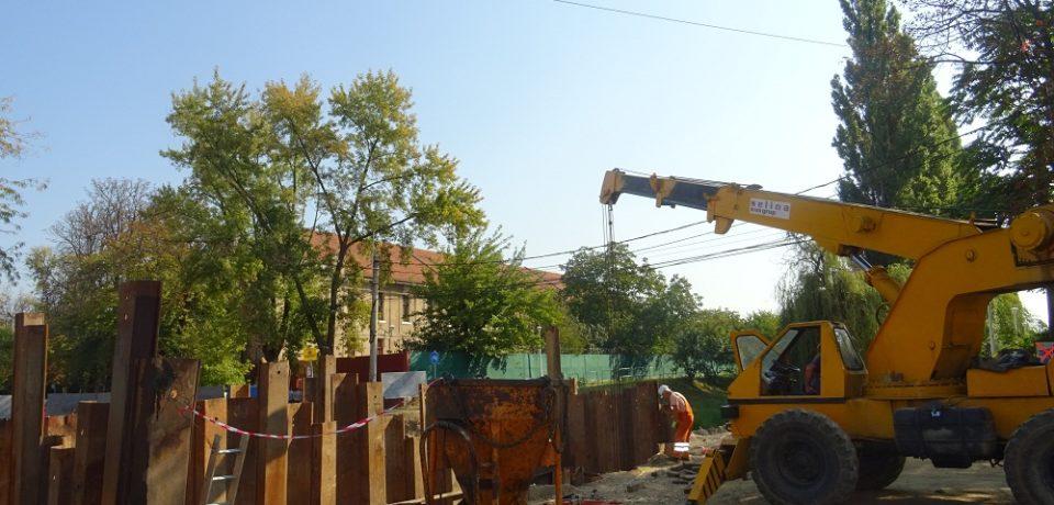 Lângă Universitate au început lucrările la noul pod peste Peța. Comunicat