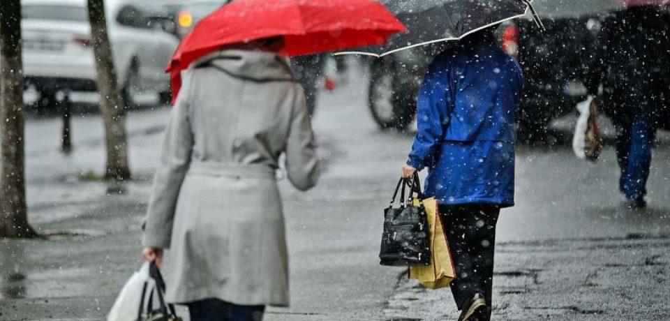 Alertă de vreme rece în toată ţara. ANM: Lapoviţă, ninsori şi viscol la munte
