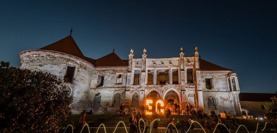 Electric Castle, gata de start. 250 de artişti vor urca pe cele nouă scene