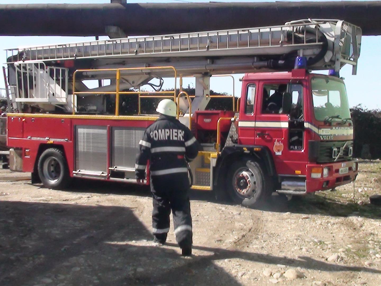 Salvare persoane și stingere incendii în Oradea, Săcueni și Marghita. Comunicat