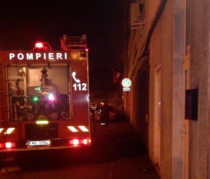 Incendiu pe Bulevardul Gheorghe Magheru din Oradea. Comunicat