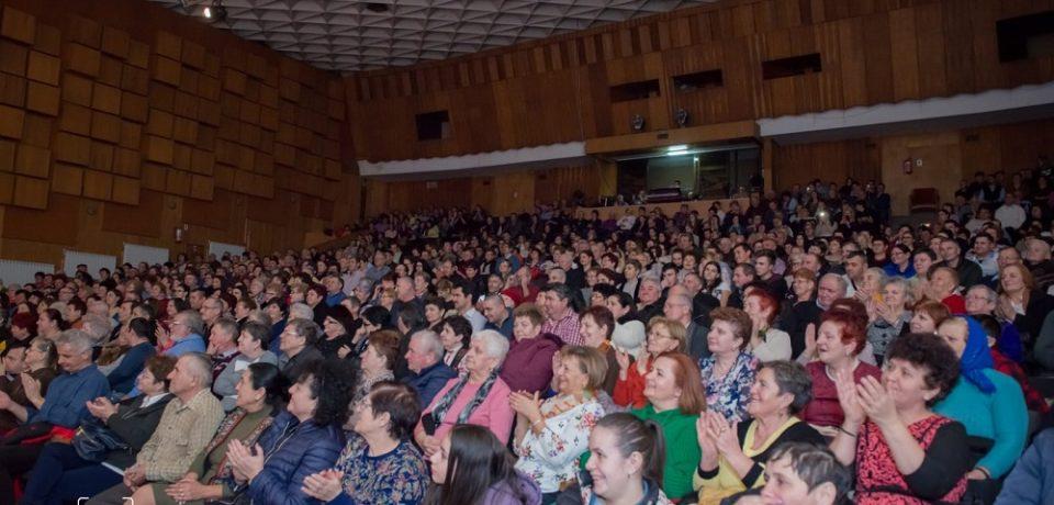 Concertul caritabil organizat pentru Alexandru Tamba a umplut sala mare a Casei de Cultura a Sindicatelor