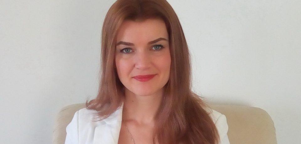 Un psihoterapeut din Oradea trateaza viciile prin hipnoza. Cum poti scapa de tutun, alcool sau anxietate