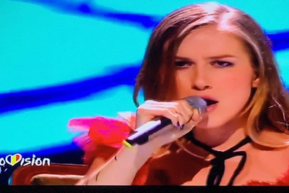 """Câștigătorul Finalei Naționale Eurovision România este Ester Peony, cu piesa """"On a Sunday"""". Video"""