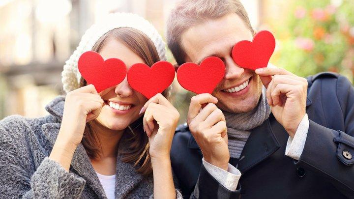 Indrăgostiţii din întreaga lume sărbătoresc Valentine`s Day