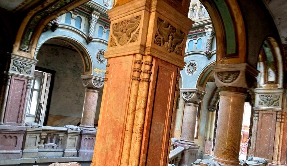 Cum arata Palatul Greco-Catolic din Oradea la 6 luni de la incendiul devastator. Foto din interior