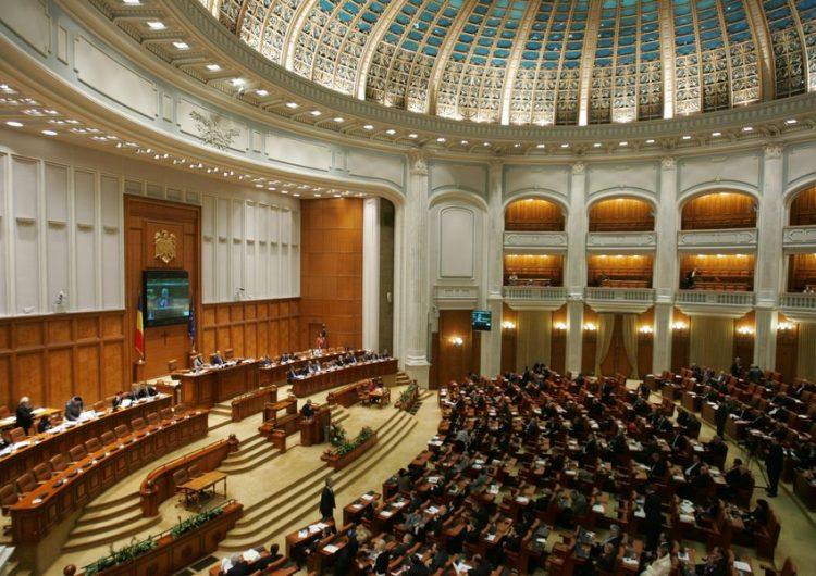 Bugetul de stat pe 2019 a fost votat fără modificări şi va fi trimis la promulgare