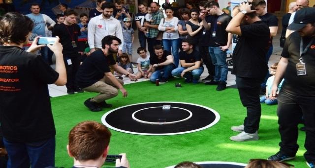 """Universitatea din Oradea se pregătește pentru Competiția Internațională """"Robotics Championship"""""""