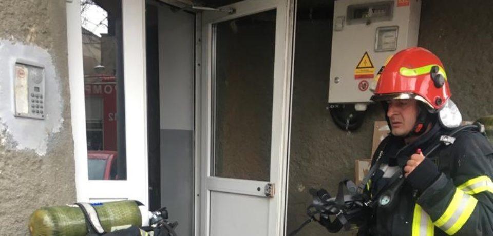 Incendiu in subsolul blocului Cicero. Comunicat ISU Crisana