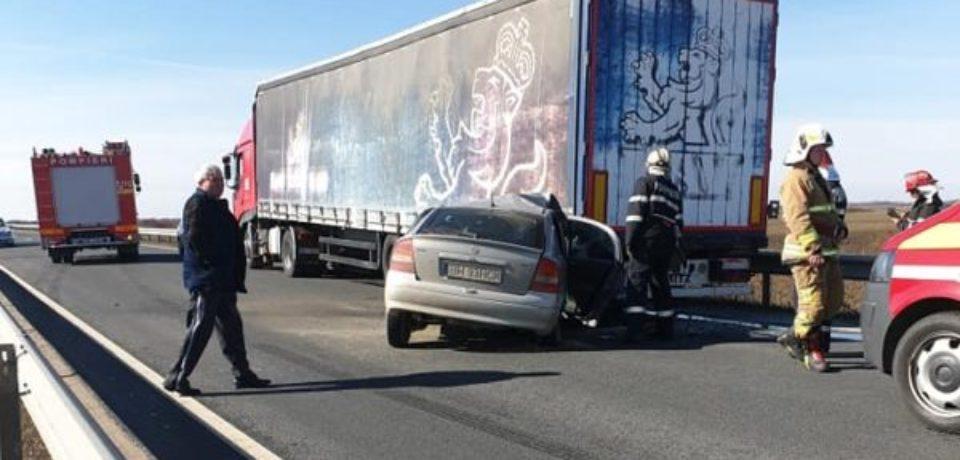 Accident pe DN 79, în afara localității bihorene Ciumeghiu