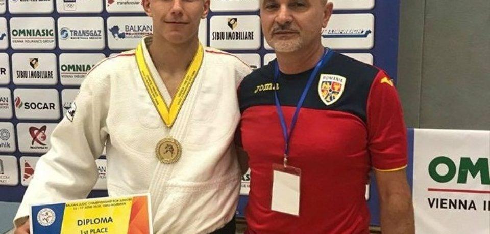 Adrian Olaru, bronz la European Cup U21 de la Paks