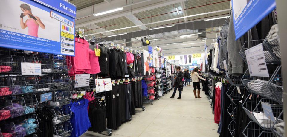 Decathlon retrage de pe piaţă un produs vestimentar