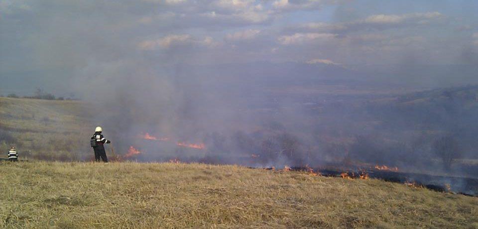 Apelul disperat al pompierilor catre bihoreni: Opriți acțiunile de igienizare a terenurilor prin ardere!
