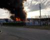 Incendiu de proportii pe Calea Borsului